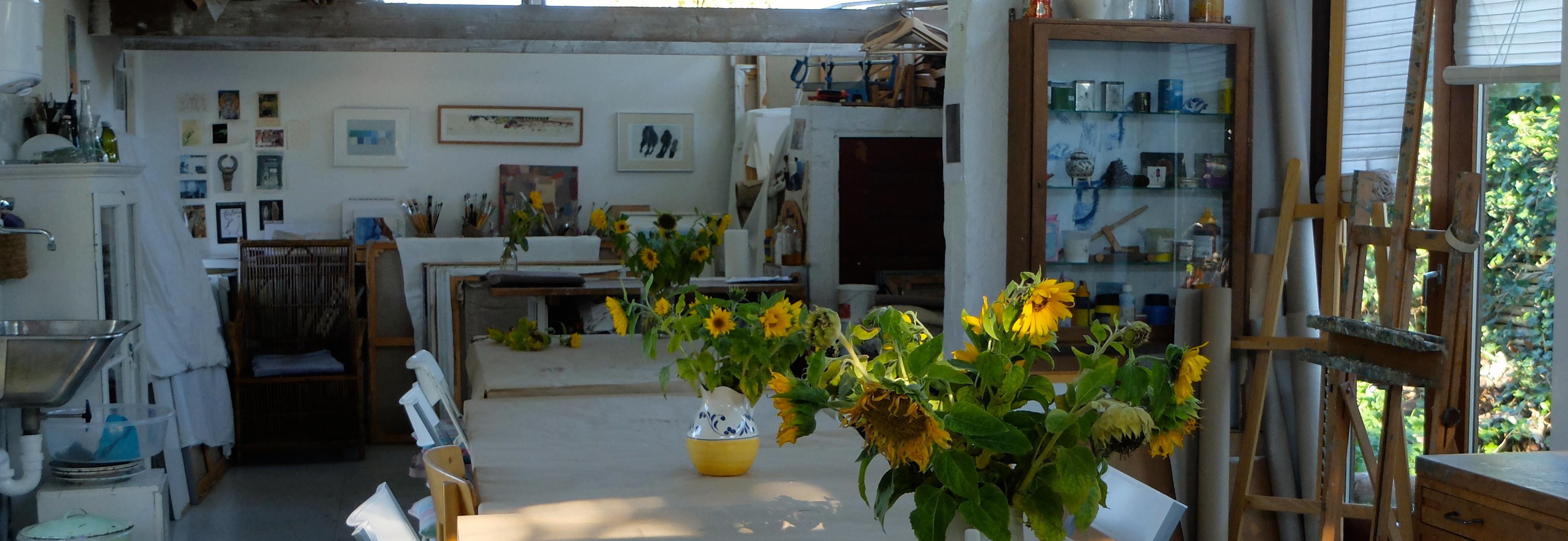 Solsikker i atelieret i Risskov